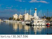 Купить «Residential marina of Empuriabrava», фото № 30367596, снято 10 февраля 2019 г. (c) Яков Филимонов / Фотобанк Лори