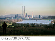 ThyssenKrupp Industrielandschaft, Duisburg, Ruhr Area, North Rhine-Westphalia, Germany, Europe (2019 год). Стоковое фото, агентство Caro Photoagency / Фотобанк Лори