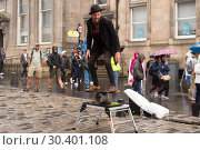 Купить «Street performers and musicians fill the Royal Mile as the Fringe festival officially kicks off in Edinburgh. Featuring: Street performers Where: Edinburgh...», фото № 30401108, снято 4 августа 2017 г. (c) age Fotostock / Фотобанк Лори