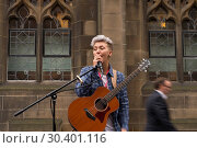 Купить «Street performers and musicians fill the Royal Mile as the Fringe festival officially kicks off in Edinburgh. Where: Edinburgh, United Kingdom When: 04 Aug 2017 Credit: Euan Cherry/WENN.com», фото № 30401116, снято 4 августа 2017 г. (c) age Fotostock / Фотобанк Лори