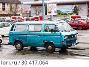 Купить «Volkswagen Transporter», фото № 30417064, снято 14 марта 2019 г. (c) Art Konovalov / Фотобанк Лори