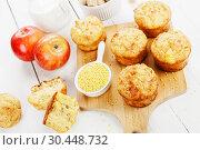 Купить «Пшенные кексы с яблоками. Вид сверху», фото № 30448732, снято 30 марта 2019 г. (c) Надежда Мишкова / Фотобанк Лори