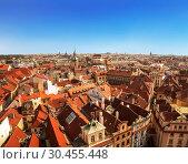 Купить «Panorama of Prague downtown with red roofs. Top view», фото № 30455448, снято 5 сентября 2014 г. (c) Наталья Волкова / Фотобанк Лори