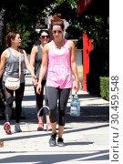 Ashley Tisdale leaving a gym in the Studio City neighbourhood of ... (2017 год). Редакционное фото, фотограф WENN.com / age Fotostock / Фотобанк Лори