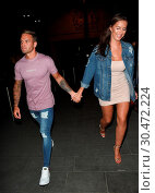 Jess and Dom Love Island Night Out in Manchester first seen leaving... (2017 год). Редакционное фото, фотограф WENN.com / age Fotostock / Фотобанк Лори