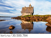 "Купить «Old wooden Church built for the filming of ""The Island"" in the White sea, Rabocheostrovsk, Karelia, Russia», фото № 30500784, снято 17 июня 2018 г. (c) Наталья Волкова / Фотобанк Лори"