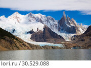Купить «Lake at foot of Fitz Roy, Cerro Torre, Andes, Argentina», фото № 30529088, снято 1 февраля 2017 г. (c) Яков Филимонов / Фотобанк Лори