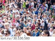 Купить «Crowd», фото № 30530580, снято 9 мая 2010 г. (c) Tryapitsyn Sergiy / Фотобанк Лори
