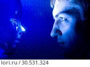 Man and Alien. Стоковое фото, фотограф Tryapitsyn Sergiy / Фотобанк Лори