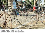 Купить «Russia, Krasnodar - March 31, 2019: Penny-farthing bike», фото № 30532260, снято 31 марта 2019 г. (c) Алексей Букреев / Фотобанк Лори