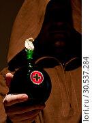 Mystery medieval doctor with medicine. Стоковое фото, фотограф Tryapitsyn Sergiy / Фотобанк Лори