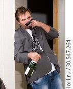 Купить «Funny drunk guy», фото № 30547264, снято 23 ноября 2013 г. (c) Tryapitsyn Sergiy / Фотобанк Лори