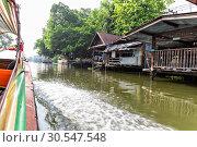 Slum on water in Thailand (2013 год). Стоковое фото, фотограф Tryapitsyn Sergiy / Фотобанк Лори