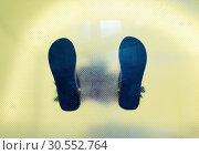 Купить «Man's shoes feet», фото № 30552764, снято 16 июля 2015 г. (c) Tryapitsyn Sergiy / Фотобанк Лори