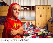 Купить «Smiling little girl in costume», фото № 30553620, снято 8 августа 2015 г. (c) Tryapitsyn Sergiy / Фотобанк Лори