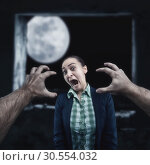 Купить «Young woman screaming», фото № 30554032, снято 24 июля 2019 г. (c) Tryapitsyn Sergiy / Фотобанк Лори