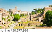Купить «Римский Форум. Весенний день, солнечно. Рим. Италия», фото № 30577996, снято 28 апреля 2018 г. (c) E. O. / Фотобанк Лори