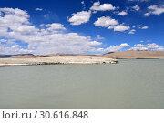 Купить «Великие озера Тибета, озеро Рулдан (Нак) на Тибетском нагорье летом. Китай», фото № 30616848, снято 11 июня 2018 г. (c) Овчинникова Ирина / Фотобанк Лори