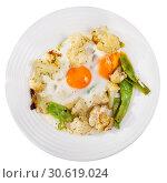 Купить «Tasty fried eggs with cauliflower», фото № 30619024, снято 16 июня 2019 г. (c) Яков Филимонов / Фотобанк Лори