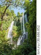 Sekumpul Waterfall (2010 год). Стоковое фото, фотограф Юлия Бабкина / Фотобанк Лори