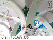 Купить «Орнамент на потолке в мечети Джума-мечеть. Баку. Азербайджан», фото № 30689336, снято 26 сентября 2015 г. (c) Евгений Ткачёв / Фотобанк Лори