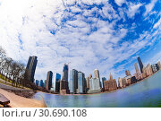 Park and Michigan lake waterfront in Chicago (2018 год). Стоковое фото, фотограф Сергей Новиков / Фотобанк Лори