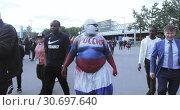 Купить «Fans before the football match», видеоролик № 30697640, снято 14 июня 2018 г. (c) Потийко Сергей / Фотобанк Лори