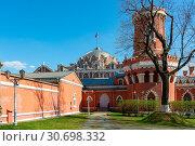 Купить «Москва, Петровский путевой дворец», эксклюзивное фото № 30698332, снято 30 апреля 2019 г. (c) Alexei Tavix / Фотобанк Лори
