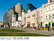 Купить «Москва, улица Бутырский Вал», эксклюзивное фото № 30698348, снято 30 апреля 2019 г. (c) Alexei Tavix / Фотобанк Лори