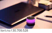 Купить «glowing smart speaker with virtual time projection», видеоролик № 30700528, снято 17 сентября 2019 г. (c) Syda Productions / Фотобанк Лори