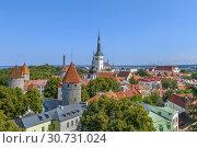 Купить «View of Walls of Tallinn, Estonia», фото № 30731024, снято 26 июля 2018 г. (c) Boris Breytman / Фотобанк Лори