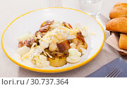 Купить «Dish of tasty baked cauliflower with potatoes, brisket meat and cheese sauce», фото № 30737364, снято 16 июня 2019 г. (c) Яков Филимонов / Фотобанк Лори
