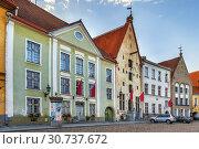 Купить «Street in Tallinn, Estonia», фото № 30737672, снято 27 июля 2018 г. (c) Boris Breytman / Фотобанк Лори