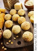Купить «Сырные шарики», фото № 30737708, снято 23 ноября 2018 г. (c) Надежда Мишкова / Фотобанк Лори
