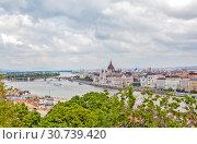Купить «Вид на Пешт и парламент с Рыбацкого бастиона. Будапешт. Венгрия», фото № 30739420, снято 30 апреля 2019 г. (c) Сергей Афанасьев / Фотобанк Лори