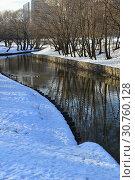 Зеленая зона поймы реки Яузы. Район Северное Медведково. Город Москва (2015 год). Стоковое фото, фотограф lana1501 / Фотобанк Лори