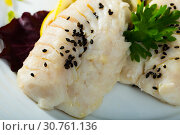 Купить «Cod prepared on steam, served at plate with greens and lemon», фото № 30761136, снято 15 июня 2019 г. (c) Яков Филимонов / Фотобанк Лори