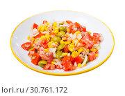 Купить «Appetizing salad with corn, olives and canned tuna», фото № 30761172, снято 26 мая 2019 г. (c) Яков Филимонов / Фотобанк Лори