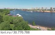 Купить «Park Severnoye Tushino and the Khimka River in Moscow, Russia.», видеоролик № 30770788, снято 16 июня 2019 г. (c) Володина Ольга / Фотобанк Лори