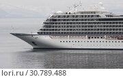 Купить «Passenger Liner Viking Orion reverse sailing in ocean», видеоролик № 30789488, снято 19 мая 2019 г. (c) А. А. Пирагис / Фотобанк Лори