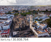 Купить «Aerial view of Jerez de la Frontera with Cathedral and Moorish alcazar», фото № 30808764, снято 19 апреля 2019 г. (c) Яков Филимонов / Фотобанк Лори