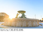 Купить «Triton Fountain at the City Gate entrance to Valletta on Malta, spring evening», фото № 30810696, снято 29 апреля 2019 г. (c) Ирина Мойсеева / Фотобанк Лори