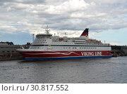 Купить «Пассажирский паром Gabriella компании Viking Line», фото № 30817552, снято 5 августа 2018 г. (c) Светлана Колобова / Фотобанк Лори