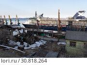 Cruise Liner Celebrity Millennium at squalor ruins of building on shore (2019 год). Редакционное фото, фотограф А. А. Пирагис / Фотобанк Лори