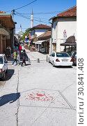 """Купить «Кровь на асфальте. Эмблема печали: """"роза Сараево"""" - символ многолетней войны. Сараево. Босния и Герцеговина», фото № 30841408, снято 2 мая 2019 г. (c) Сергей Афанасьев / Фотобанк Лори"""