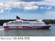 Купить «Круизный паром MS Amorella компании Viking Line в Балтийском море», фото № 30844908, снято 10 июля 2018 г. (c) Кекяляйнен Андрей / Фотобанк Лори