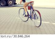 Купить «hipster man riding fixed gear bike», фото № 30846264, снято 15 июня 2016 г. (c) Syda Productions / Фотобанк Лори