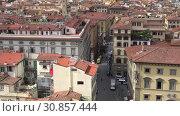 Купить «Городской пейзаж Флоренции солнечным днем. Италия», видеоролик № 30857444, снято 19 сентября 2017 г. (c) Виктор Карасев / Фотобанк Лори