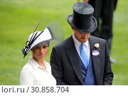 Royal Ascot, United Kingdom, Prince Harry, Duke of Sussex and his wife Meghan, Duchess of Sussex  (2018 год). Редакционное фото, агентство Caro Photoagency / Фотобанк Лори