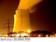 Купить «Ein Atomkraftwerk bei Nacht», фото № 30889956, снято 19 ноября 2019 г. (c) easy Fotostock / Фотобанк Лори